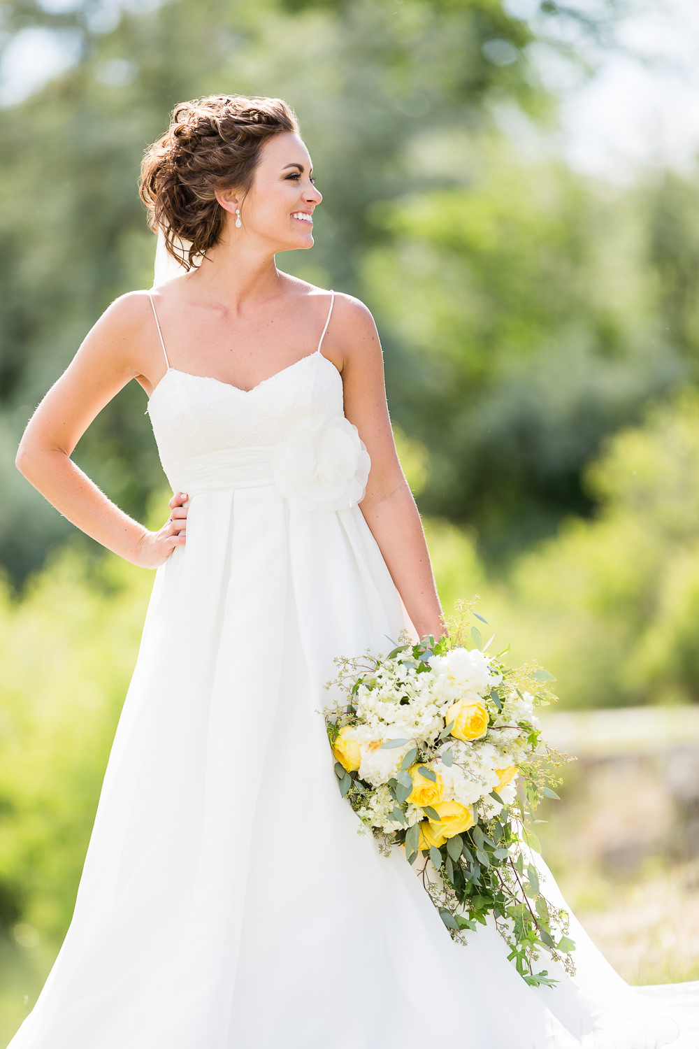 billings-montana-swift-river-ranch-wedding-bride-with-her-bouquet.jpg