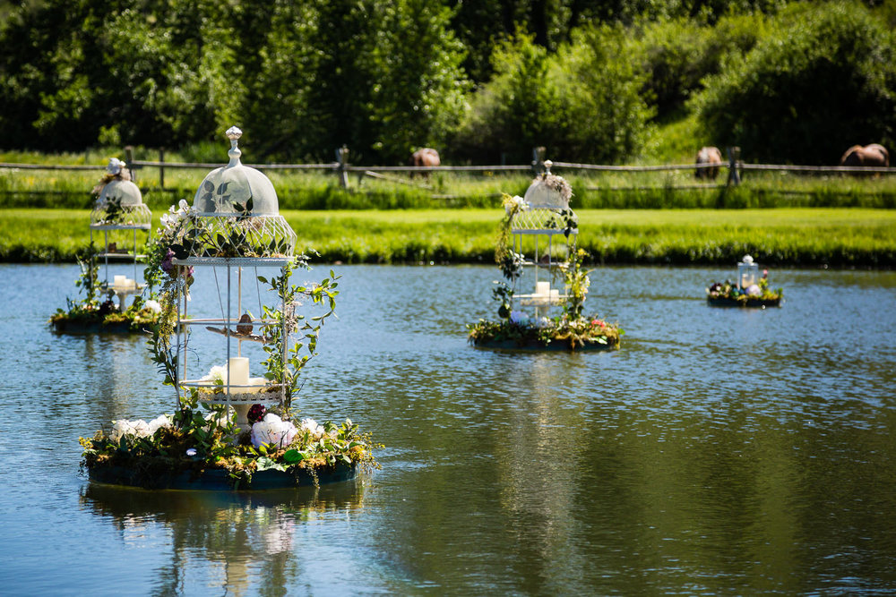 red-lodge-montana-wildflower-wedding-floating-floral-arrangements.jpg
