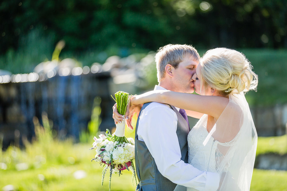 red-lodge-montana-wildflower-wedding-bride-groom-formal-kiss.jpg