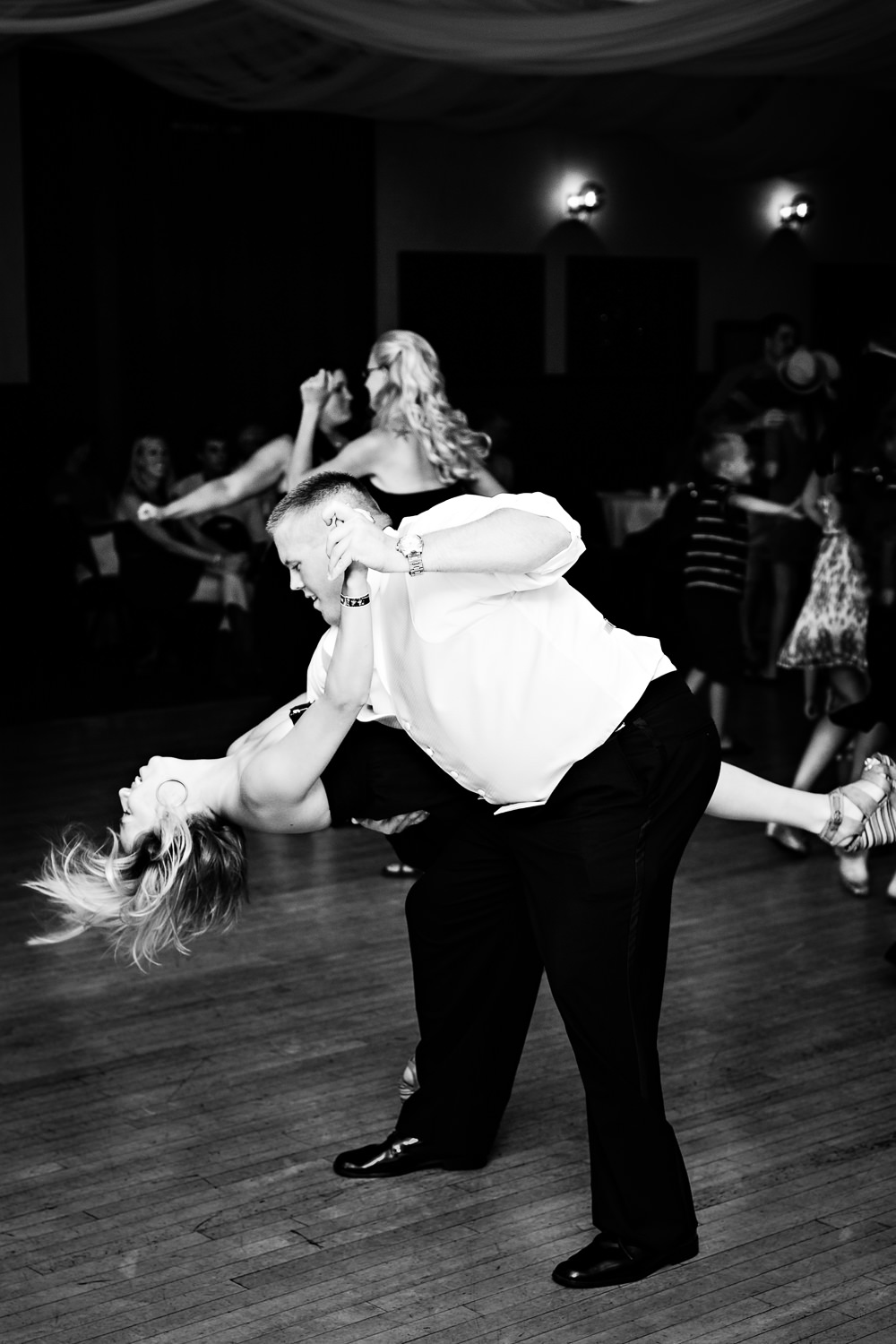billings-wedding-eagles-guests-dancing.jpg