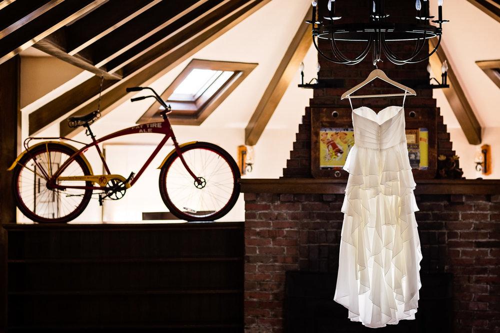 bozeman-montana-wedding-brides-dress-shot.jpg