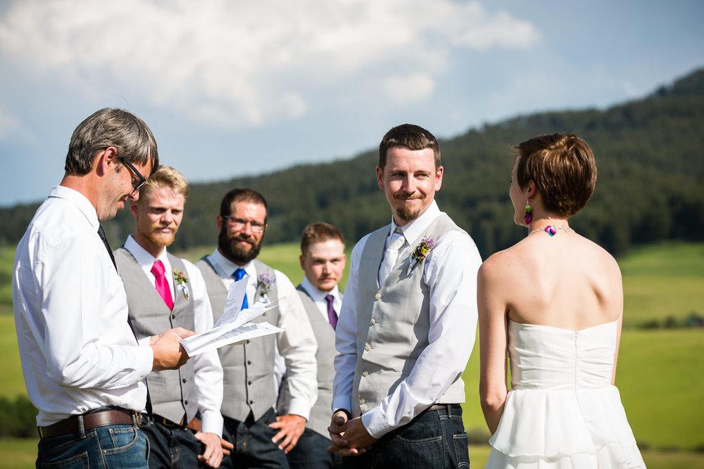 bozeman-montana-wedding-bride-groom-exchange-vows.jpg
