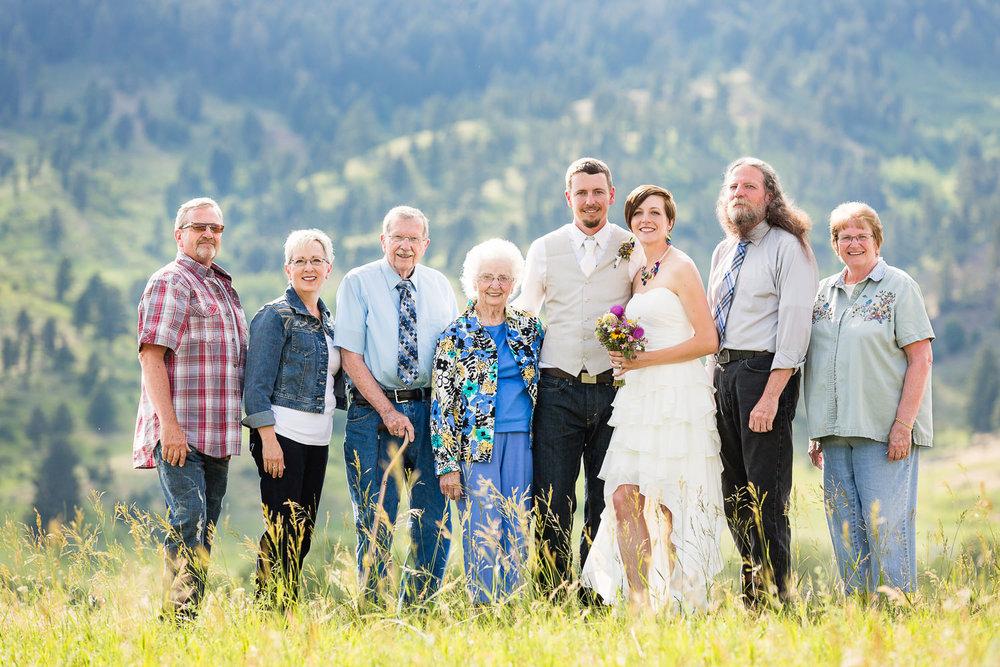 bozeman-montana-wedding-grooms-family-formal.jpg
