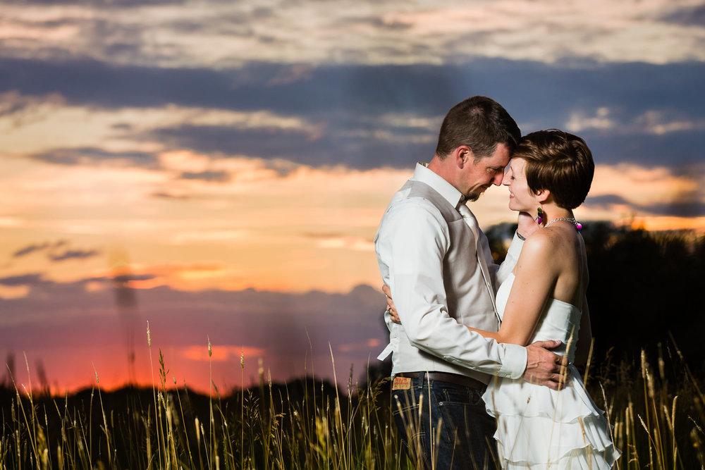 whimsical-diy-wedding-bozeman-montana-couple-at-sunset.jpg