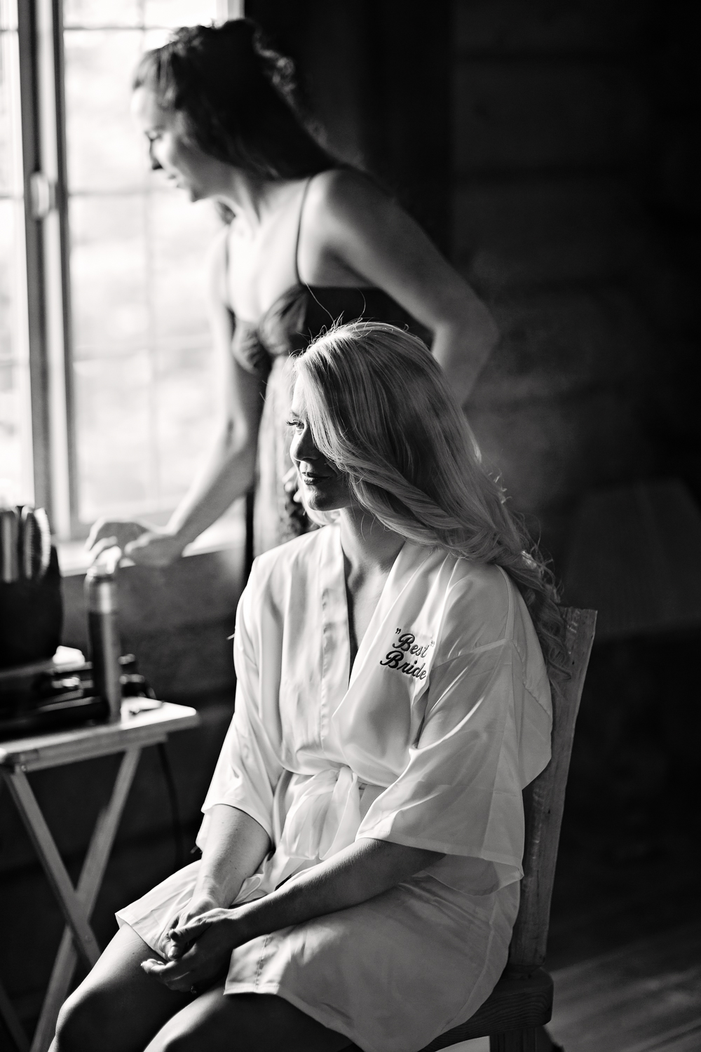 bozeman-montana-wedding-roys-barn-hairstylist-fixes-brides-hair.jpg