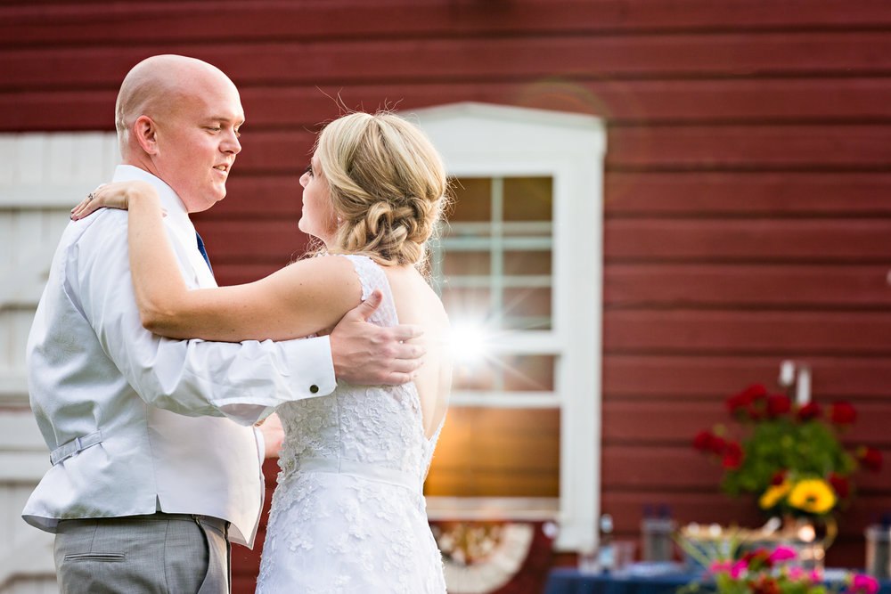 bozeman-montana-wedding-roys-barn-bride-groom-first-dance.jpg