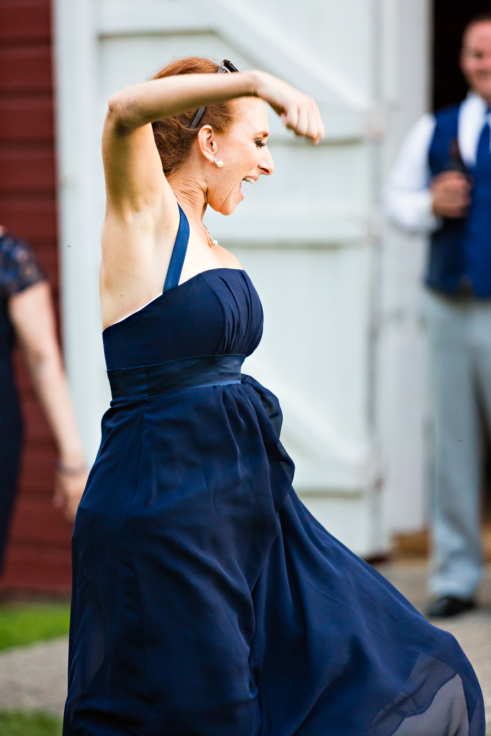 bozeman-montana-wedding-roys-barn-bridesmaid-dancing.jpg