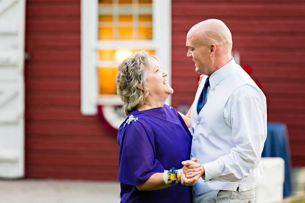 bozeman-montana-wedding-roys-barn-groom-mother-dance.jpg