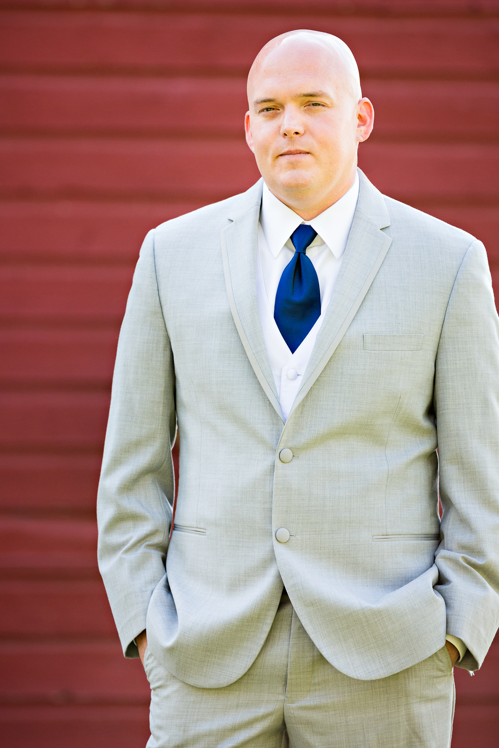 bozeman-montana-wedding-roys-barn-groom-portrait.jpg