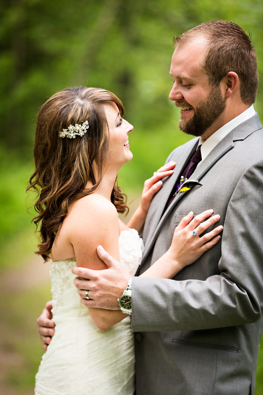 rock-creek-resort-red-lodge-bride-groom-laughing.jpg