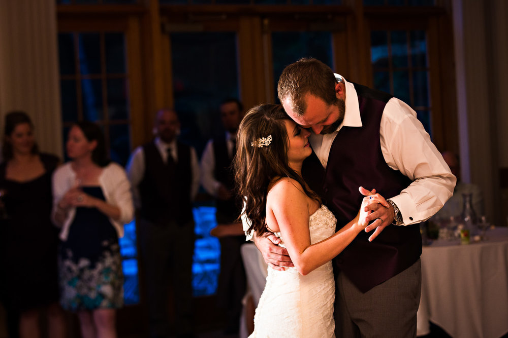 rock-creek-resort-red-lodge-bride-husband-romantic-dance.jpg