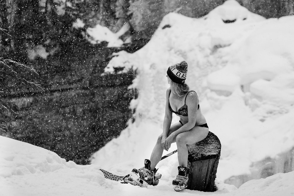 big-sky-montana-boudoir-woman-hockey-skating.jpg