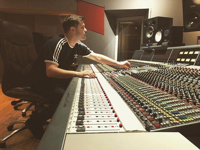 Studio 2! @u2 @dublinstudiohub @windmilllanerecording ☘️❤️ . #music #windmillstudios #studio #u2 #writing #musician #recording #songwriter #dublin #ireland #camp #songs #newmusic #work #love
