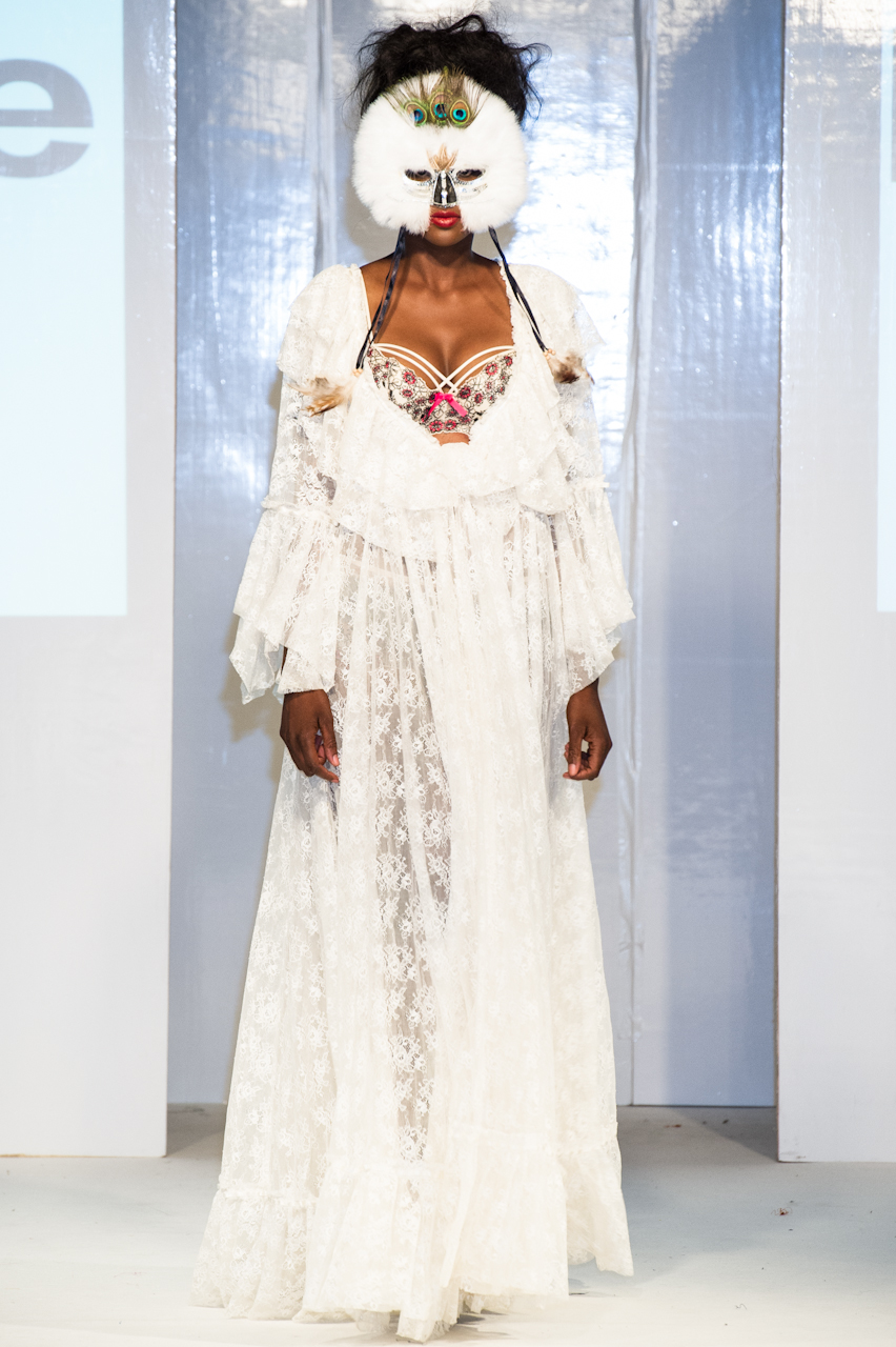 afwl2012-patience-please-018-simon-klyne.jpg