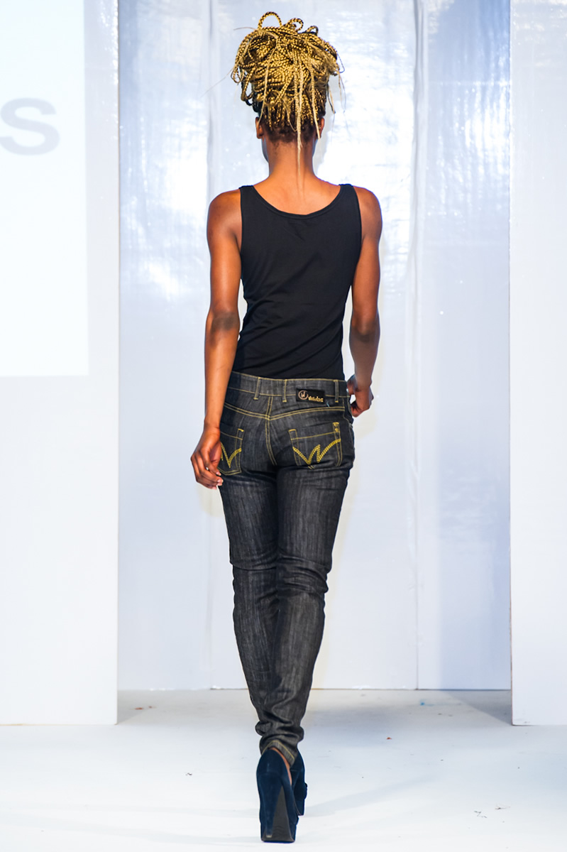 afwl2012-wangu-jeans-009-simon-klyne.jpg