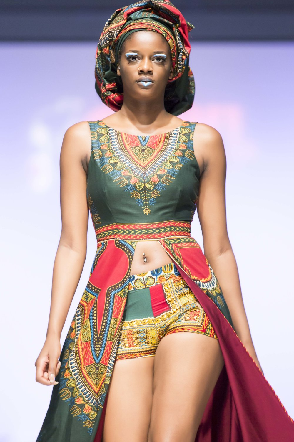 African Fashion Today-Joanna Mitroi Photography 0877 - lores.jpg