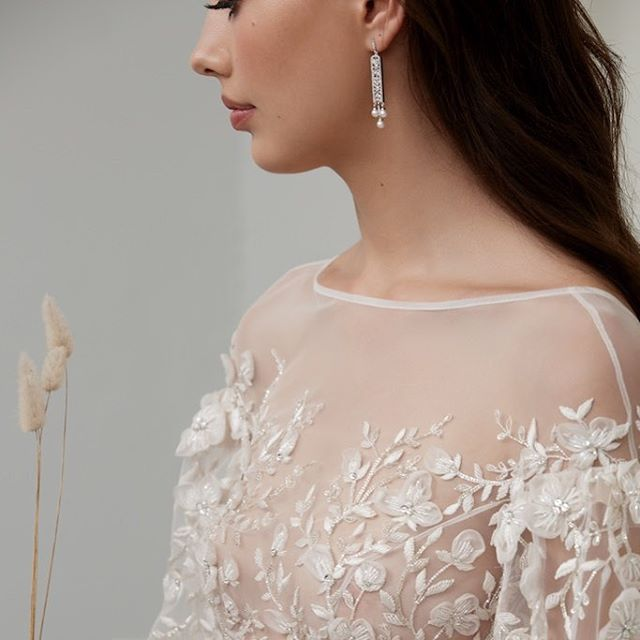 VENICE DROP EARRINGS with fine vintage detailing and set in white gold plated sterling silver, finished with fresh water pearls. Complete your look with exclusive #stevenkhalil Jewellery. Available online at www.stevenkhalil.com and also Australia wide from @davidjonesstore