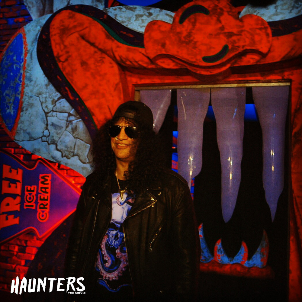 Slash @ his Clowns 3D maze at Universal Studios Halloween Horror Nights