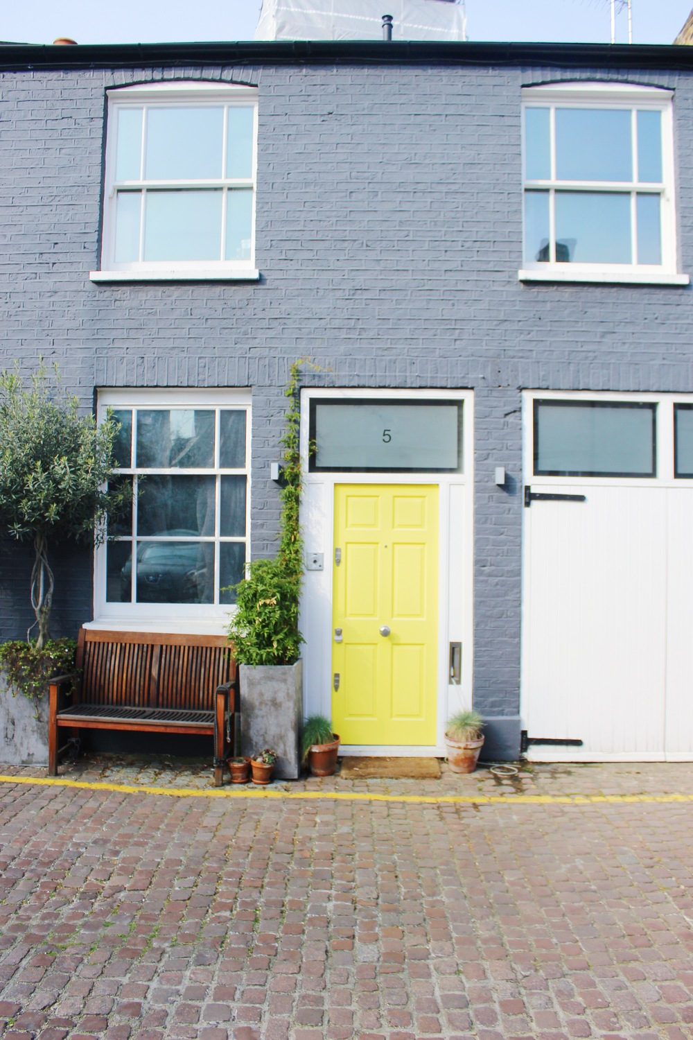 Notting Hill Charm - Brightly Colored Doors | Sundays and Somedays