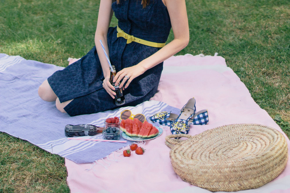 Celebrating the Fourth of July in London with a red, white and blue picnic with Chevrons & Eclairs wearing all Boden | Sundays and Somedays