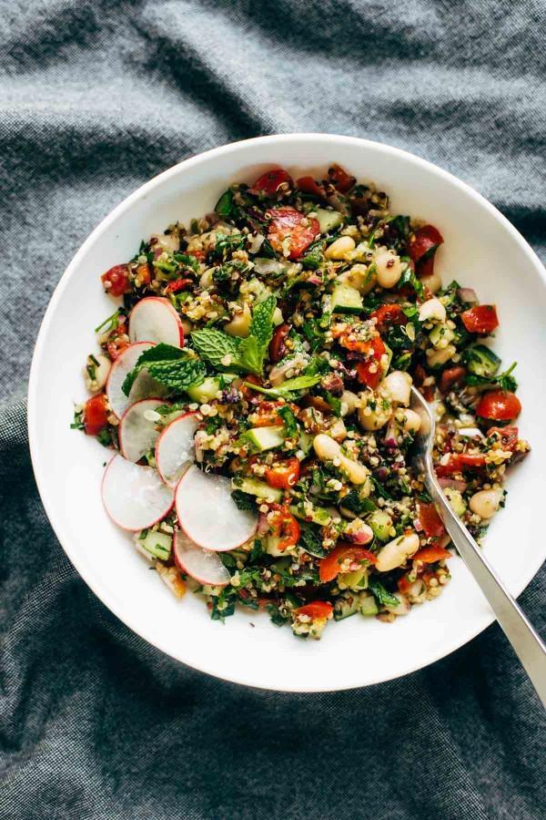 Photo credit:http://pinchofyum.com/chopped-greek-salad