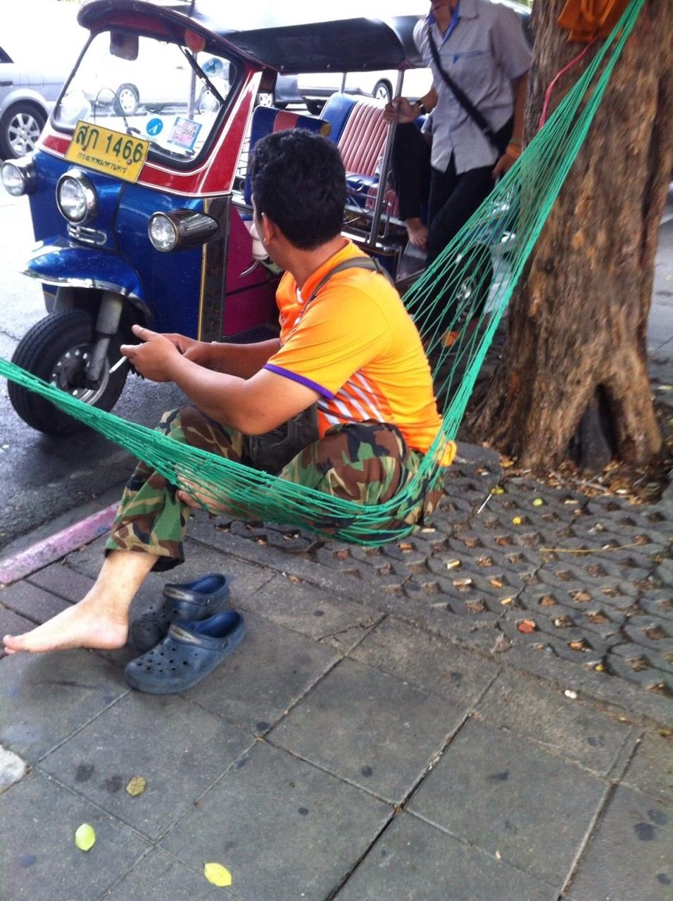 tuk tuk driver, bangkok, thailand