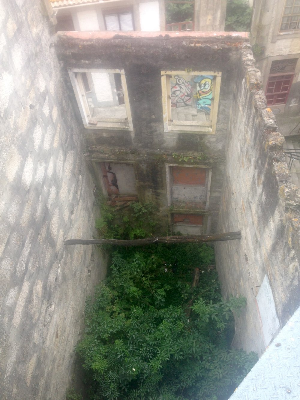 Abandoned structures in Porto, Portugal