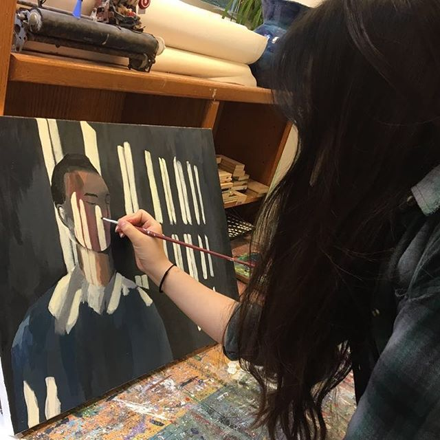 An in-progress artwork from @hyunseochu 😍😍Looks so good!! . . . . #delphianschool #delphianarts #art #artwork #painting #portrait #colorful #inprogess #studentsart