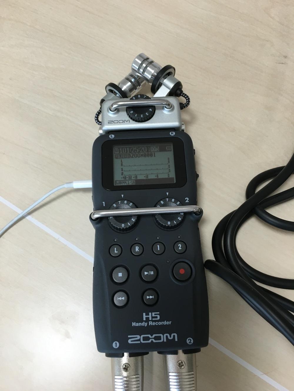 録音はZOOM H5 ハンディレコーダーで。