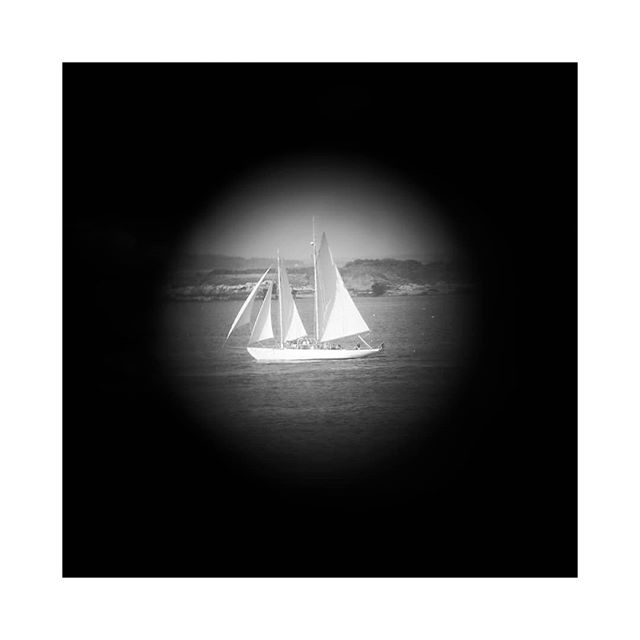 Limited Views from Maine. . . #lookingthrough #lookingthroughbinoculars #blackandwhitephotography #naturalvignette  #pinhole #peephole  #sailing #sailboat #cascobay #mainetourism  #capeelizabeth  #portlandheadlight  #portlandheadlighthouse  #portlandmaine