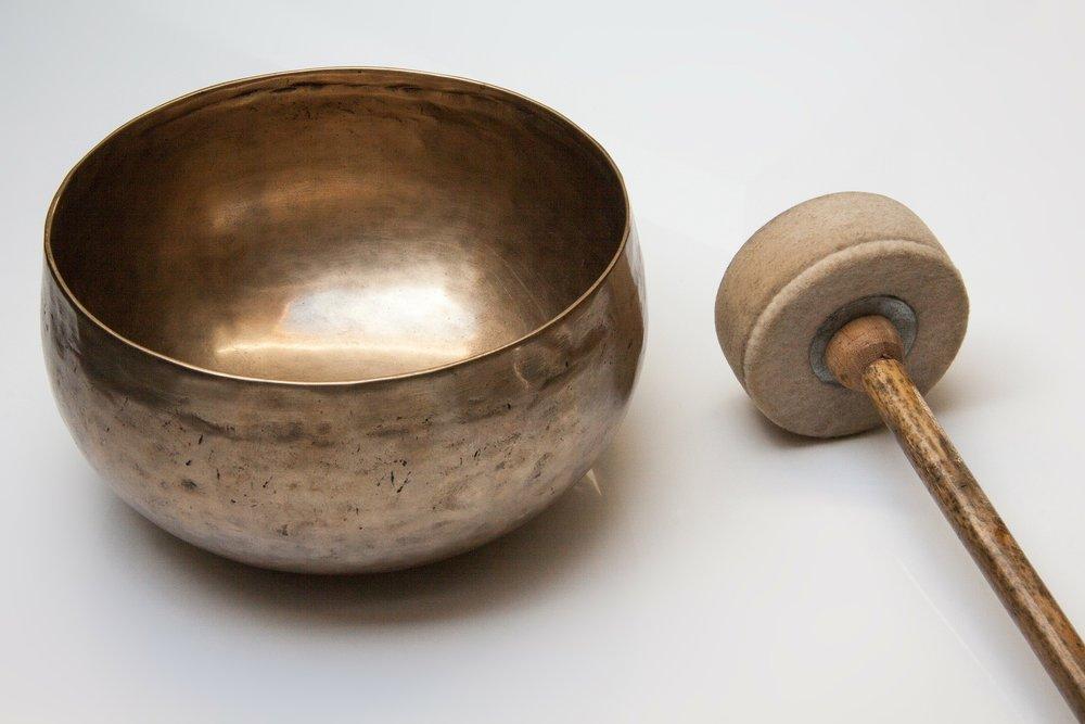 singing-bowl-185211_1920.jpg