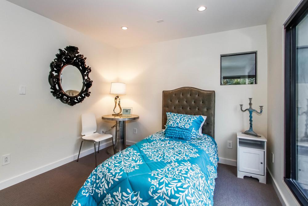 000-Bedroom-496990-print.jpg