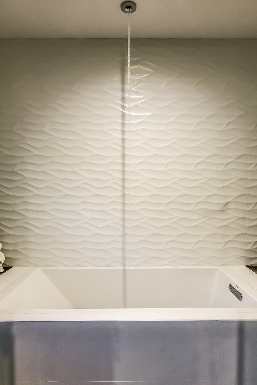 000-Master_Bathroom-499020-print.jpg