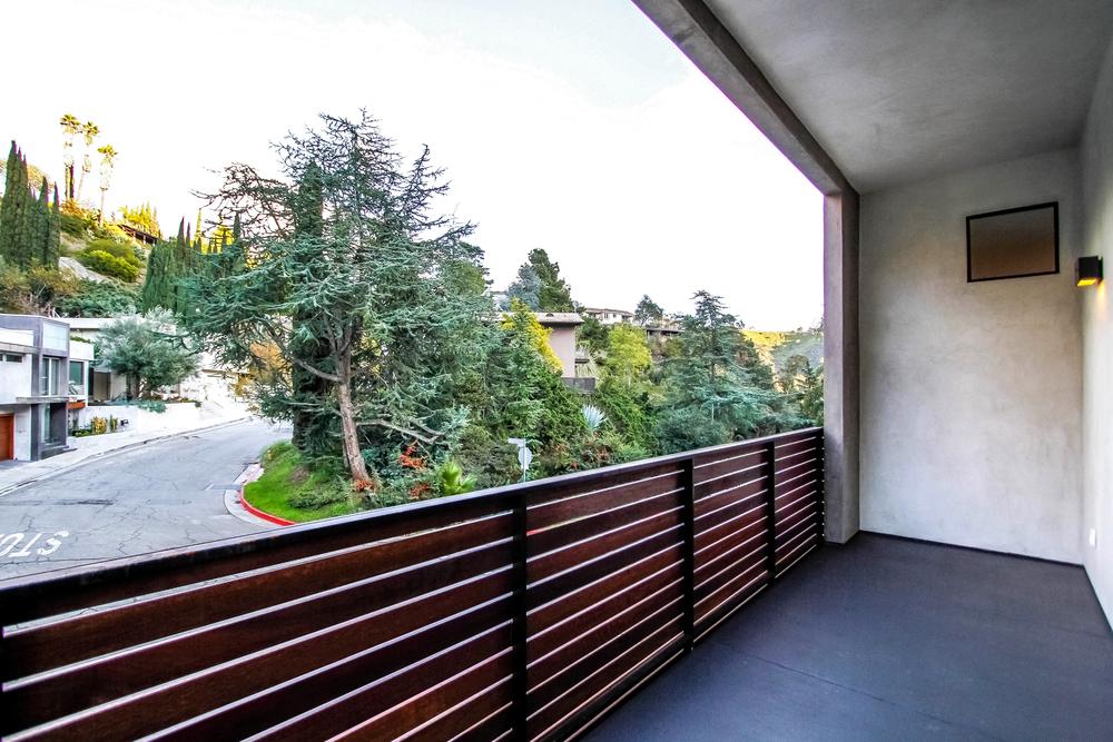 000-Balcony-497044-print.jpg
