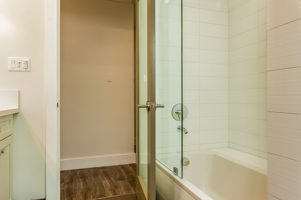 031-Bathroom_2-860660-print.jpg