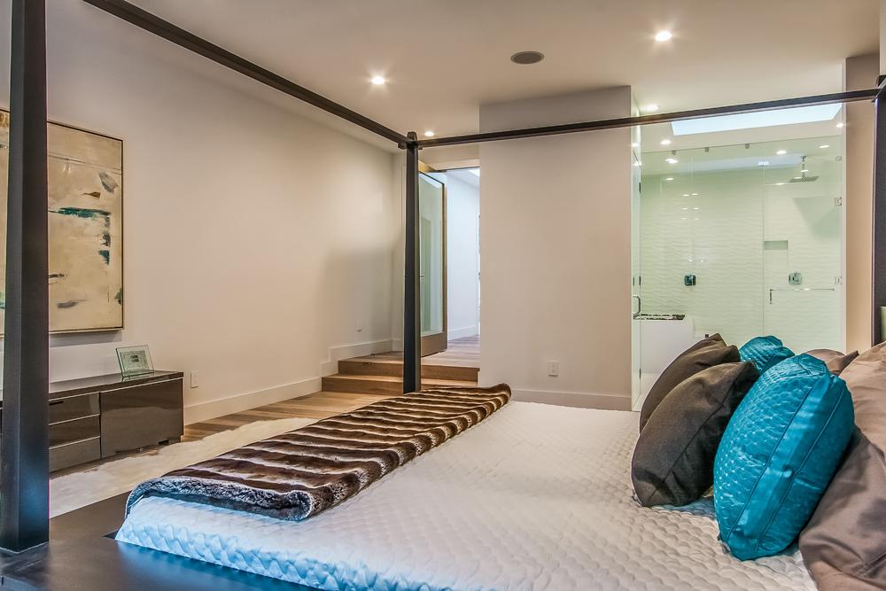 026-Master_Bedroom-802567-print.jpg