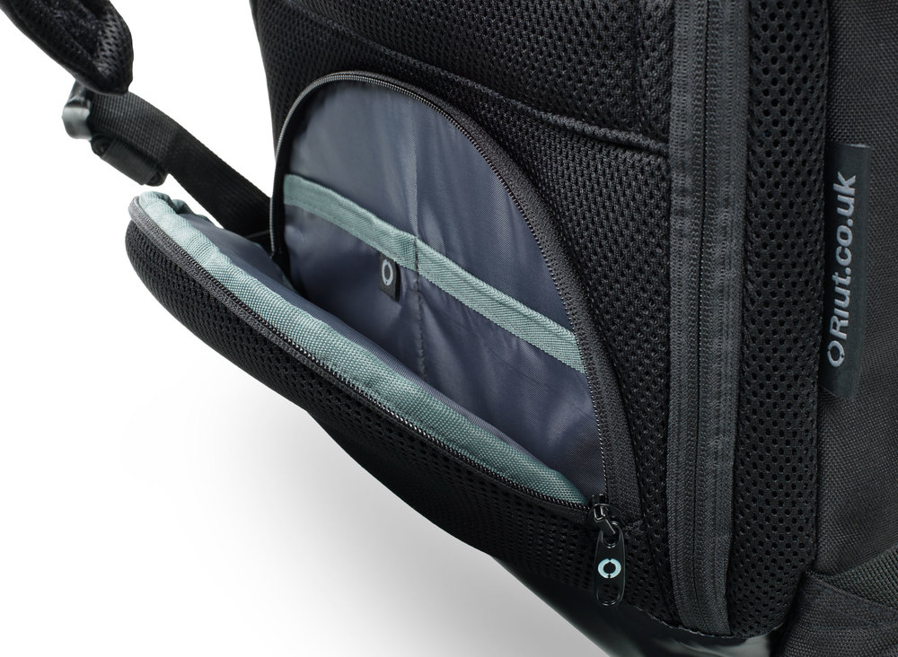 2016 RiutBag D-pocket for quick yet secure access to your smartphone, keys and passport without removing your RiutBag from your back