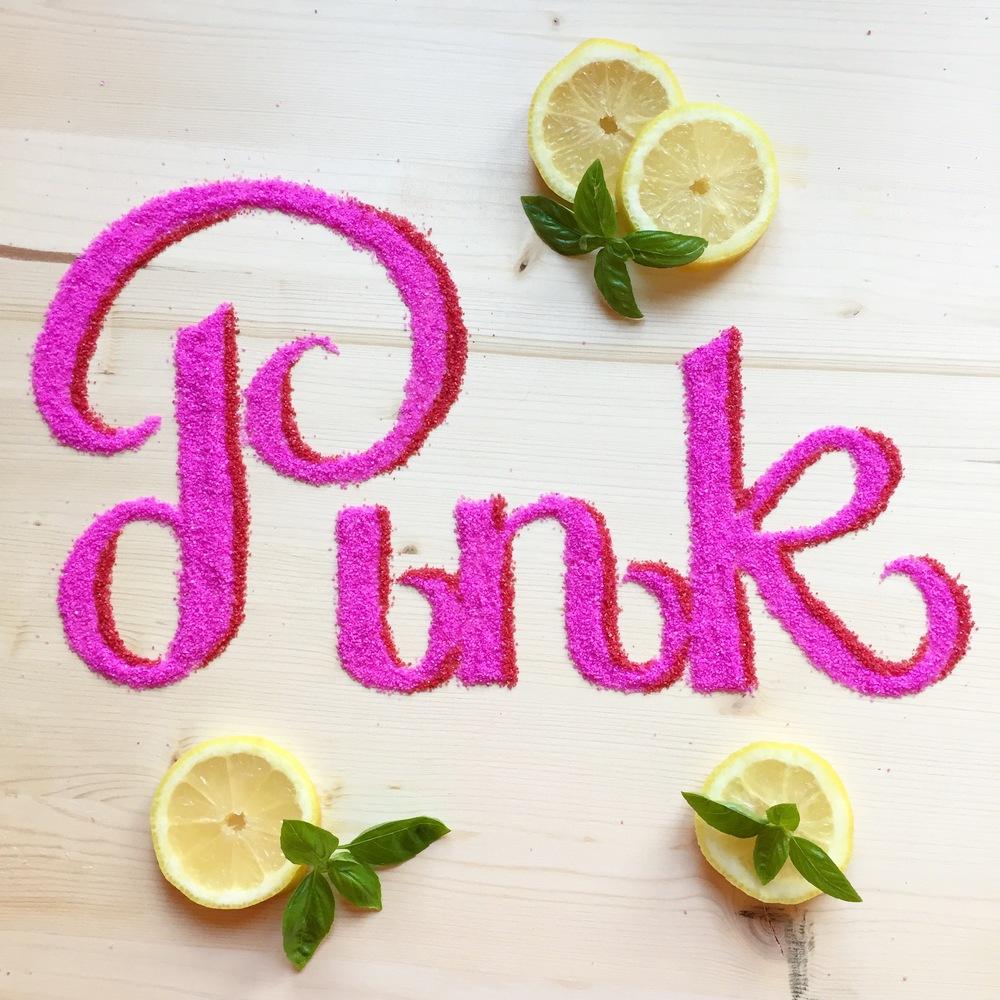 Food typography realizzata con zucchero di due diversi colori