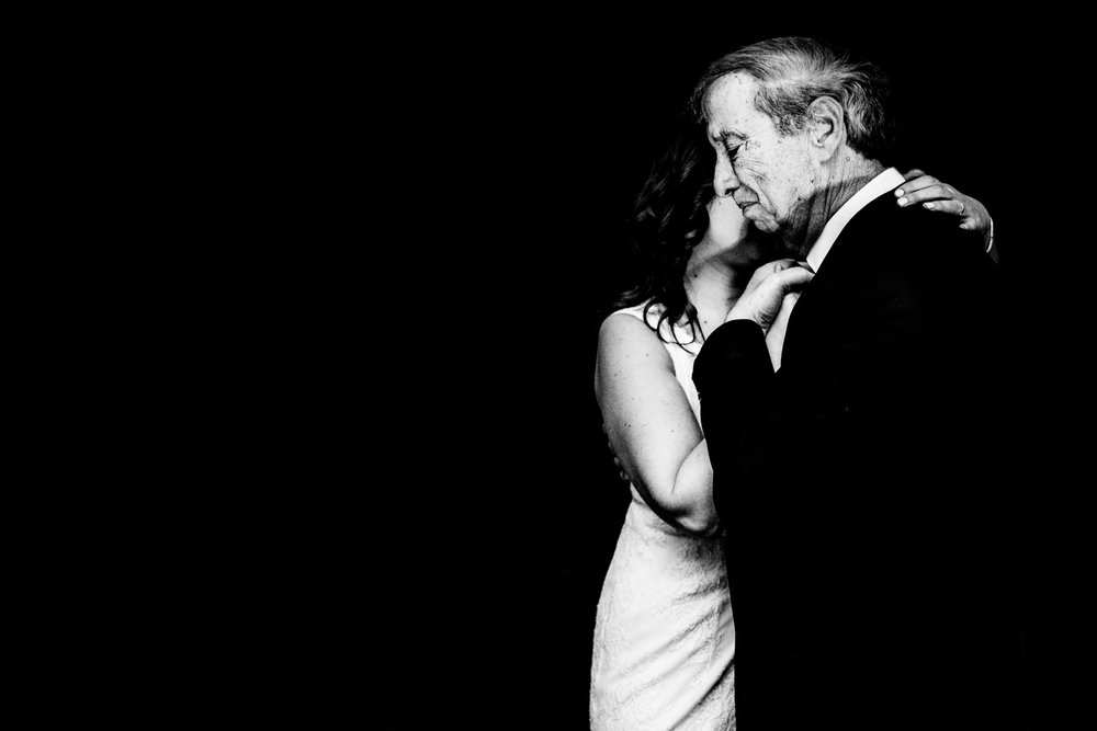 Elopement Package - € 950 - 1. A maximum of 4 hours of coverage2. Private online gallery of all hi-res images for 6 months (min. of 550 images).3. Online slideshow story of your day set to music