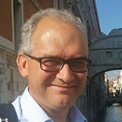 Dr Simon Broughton