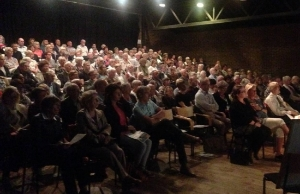 Stort og lydhørt publikum i Sandnes kulturhus
