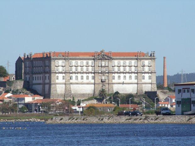 Convento_de_Santa_Clara_Vila_do_Conde-001.jpg