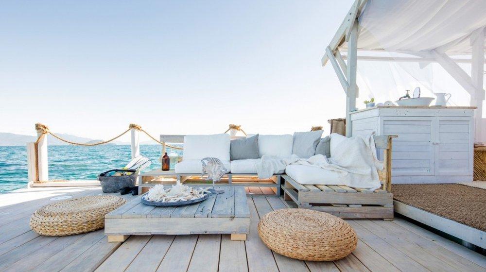 Airbnb-Great-Barrier-Reef-living-1200x741-2-1060x594.jpg