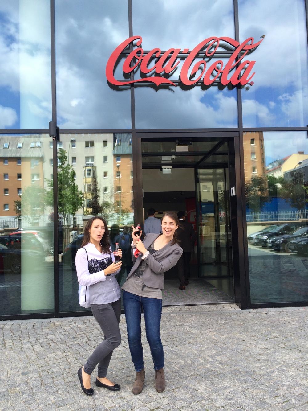 cocacola_blindapplying_lauratanja2.jpg