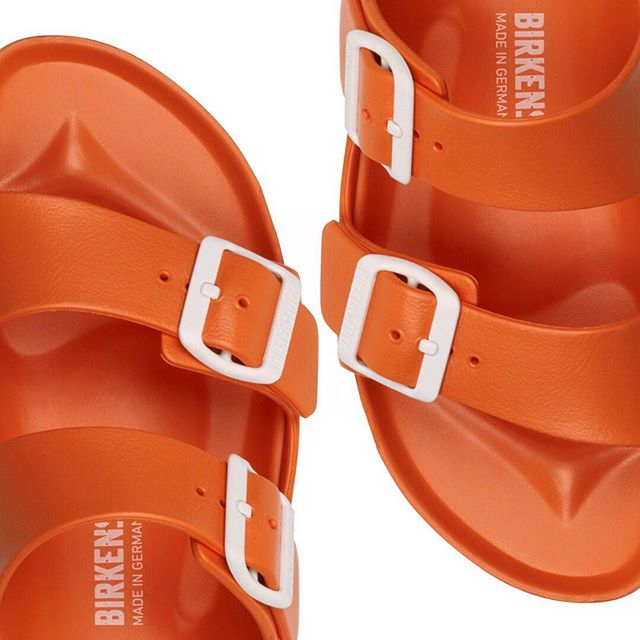 H+G Studio // For Birkenstock. Case study now live on our website @ www.hagueandgarner.com/birkenstock #productphotography #footwear #orange #summer #twitter