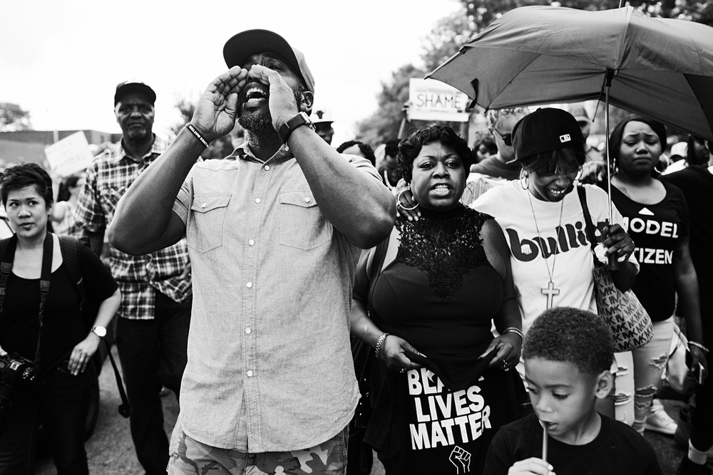 Philando Castile's mother, girlfriend, cousin and family lead the march to the Governor's mansion in St. Paul, MN.
