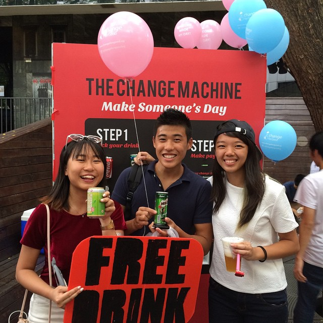 @porridgebroo and @darrenthemexican got a free drink! Thank you @glitterypoop for  making their day :) Follow our main account @changeforgoodsg for more information on our project :)