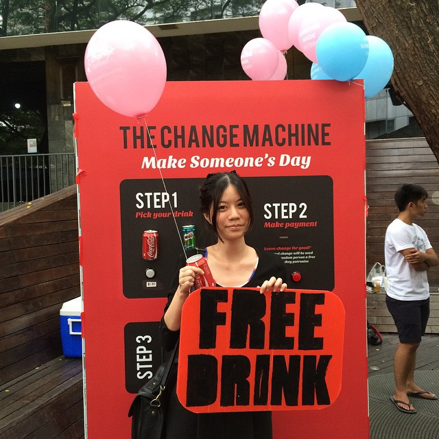 @aryesis got a free drink :) thanks to #littlekarissa @lilikkau and @gxine for making her day! Follow our main account @changeforgoodsg for more information on our project :)