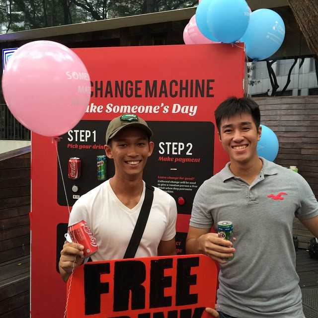 @edwinhowhywhy got a free drink! Awesome! Thank you @chinhyi and @brainheng for making his day! Do Follow our main account @changeforgoodsg for more information on our project :)