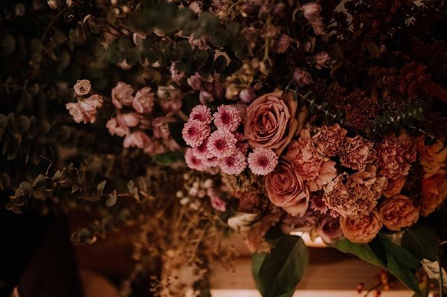 Detail shot of the @solidityfilms premiere screen florals / Image by @patrobinsonphoto